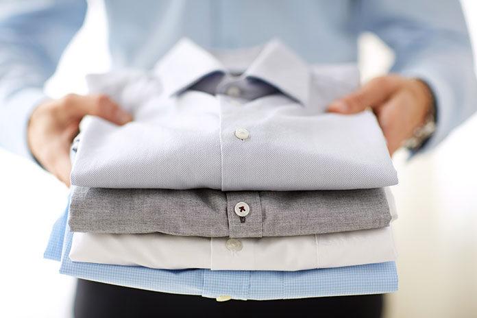 Odzież z logo firmy w reklamie firmy
